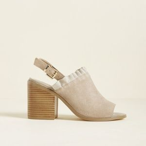 [Modcloth] Promote Your Panache Suede Block Heels